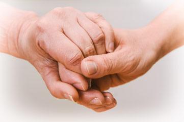 2 Hände sich führend
